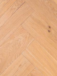 Dubbel gerookte duoplank visgraat vloer van hoge kwaliteit.