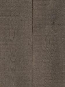 Deze Dutzfloors vloer is bezaagd en met parelmoer kleur bezaagd.