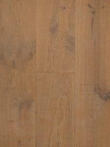 Deze blanke houten vloer is gerookt en heeft hierdoor een warme uitstraling
