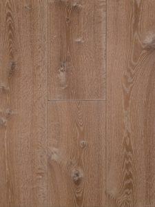 Deze houten vloer is met ultraviolette geolied, sterk en slijtvast