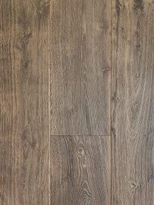 Zwaar geborstelde planken vloer geschikt voor iedere leefsituatie