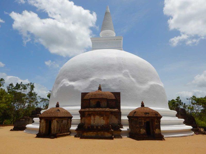 Cose da vedere in Sri Lanka: Polonnaruwa, Stupa Kiri Vehera