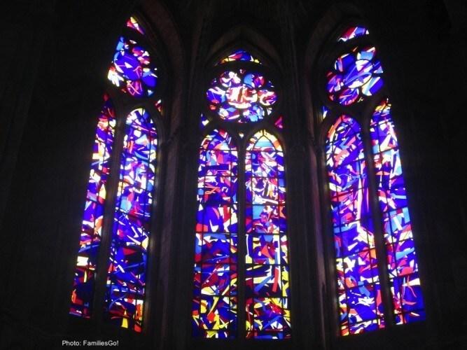 Knoebbel windows at notre dame cathedral, rheims