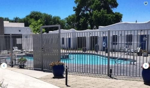 El Vado motel pool