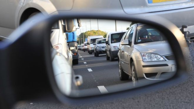 Safer on the roads in spring? Distractions and a lack of focus still an accident danger