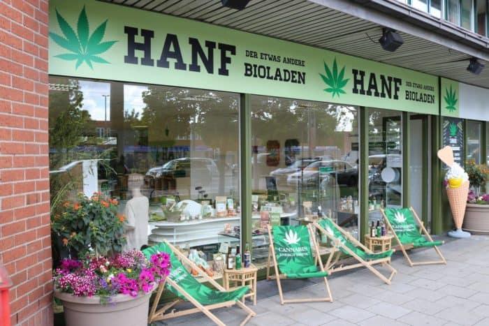 "Cerveny verkauft ""legale"" CBD-Blüten im Hanfladen"