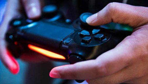 Comprar uma PlayStation 4 agora? Será que vale a pena?