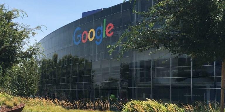 """Donald Trump promete investigar """"aparente traição"""" da Google"""