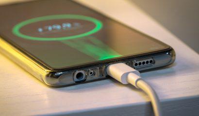 Supersnel opladen: schadelijk voor je telefoon?