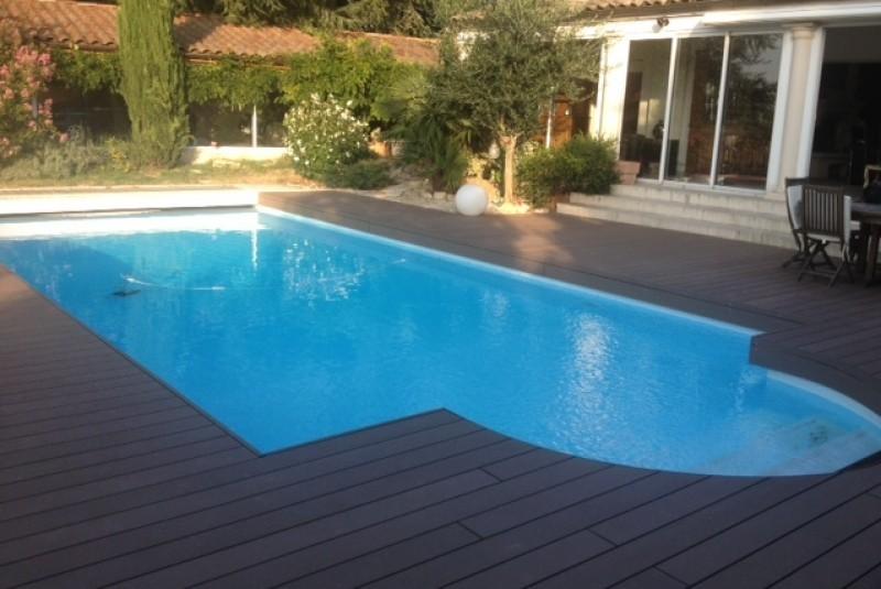 185-plage-de-piscine-en-bois-composite-a-saint-bernard-ain