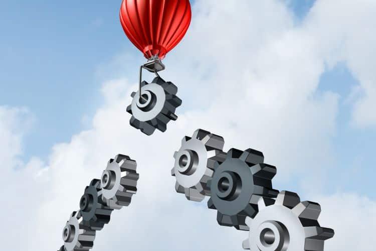 Chasse aux nouveaux talents, développement du capital humain : des processus complémentaires