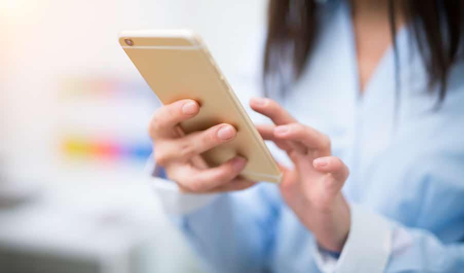 Ai-je le droit d'utiliser mon téléphone portable sur mon temps de travail ?