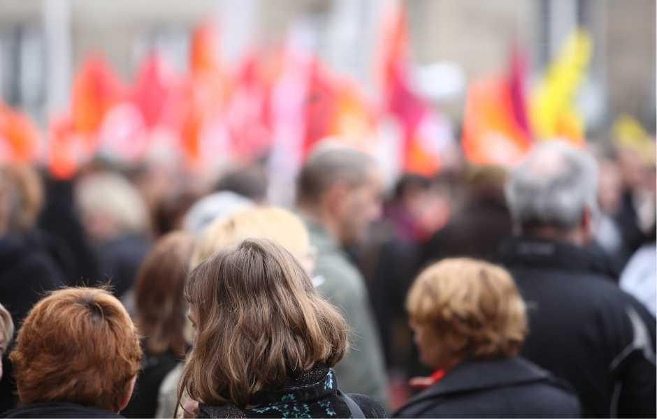 Comment les DRH peuvent accompagner leurs collaborateurs pendant les grèves ?