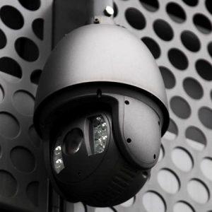 Norh låsesmed Frederiksberg installerer overvågning kameraer.