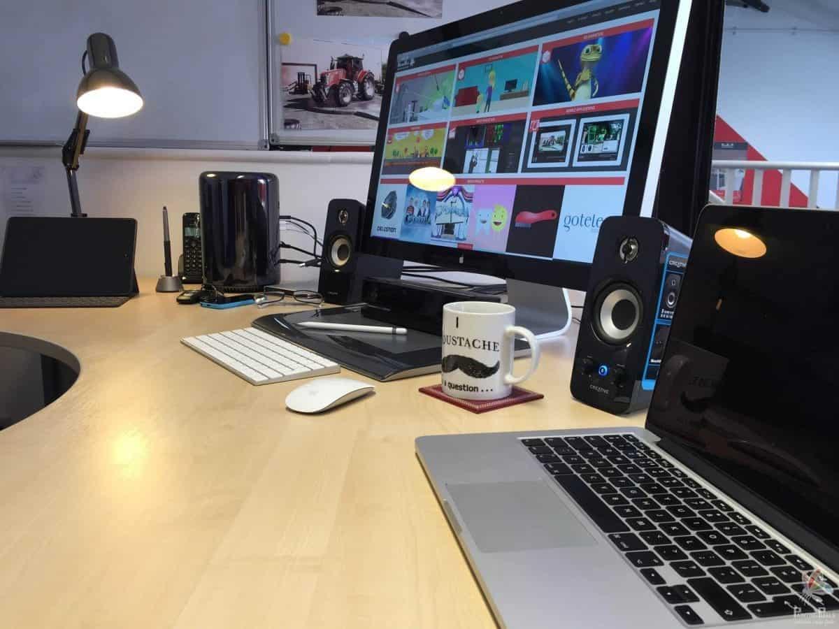 Painting Pixels Working Desk Mac Pro