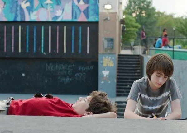 Les deux ados dans Brooklyn village