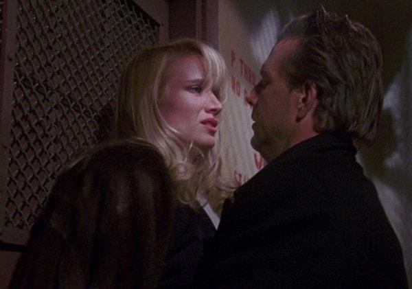 Mickey Rourke et Kelly Lynch dans La maison des otages de Cimino