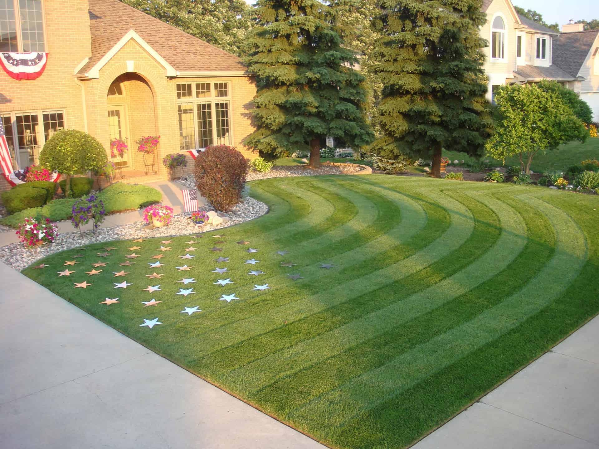 1.july4th.best.lawn.stripes