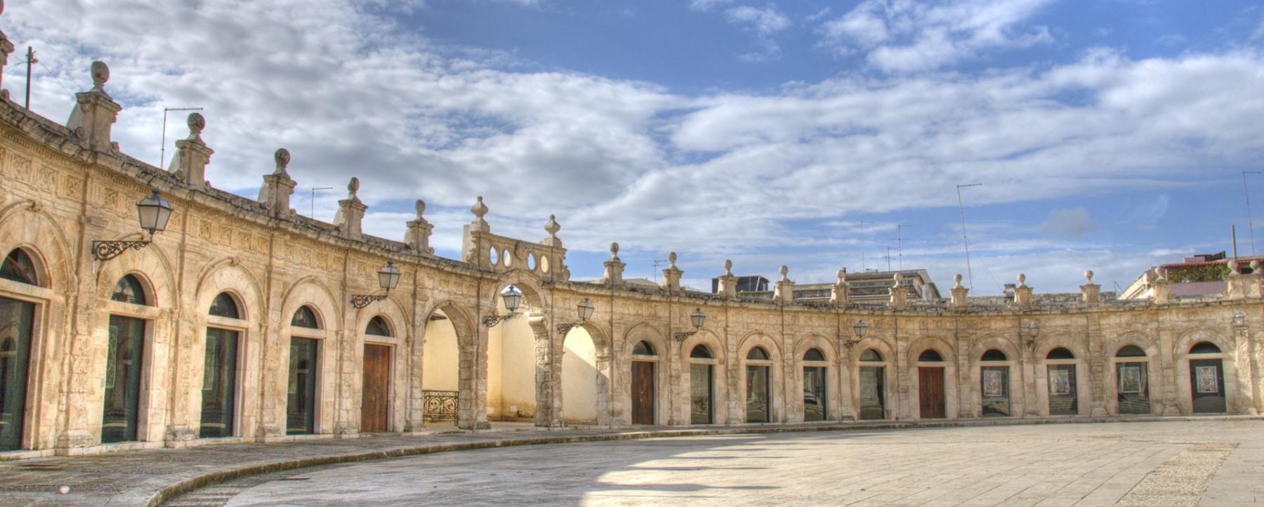 piazza-ispica-loggiato