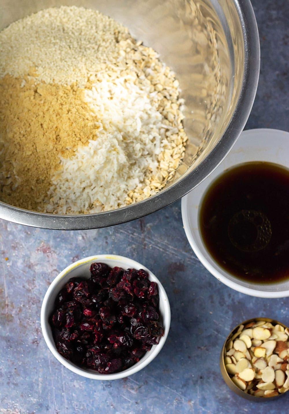 Easy granola recipe ingredients, coconi