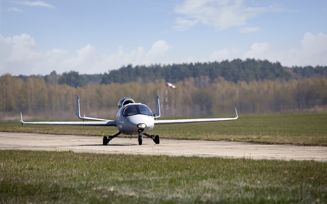 The testing has confirmed: FLARIS LAR1 is the fastest single-engine business jet in the world!