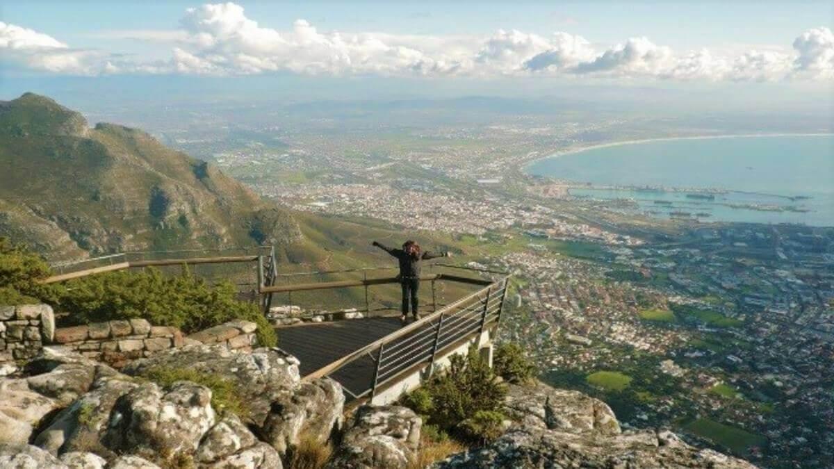 bailey-bridge-clear-table-mountain-view