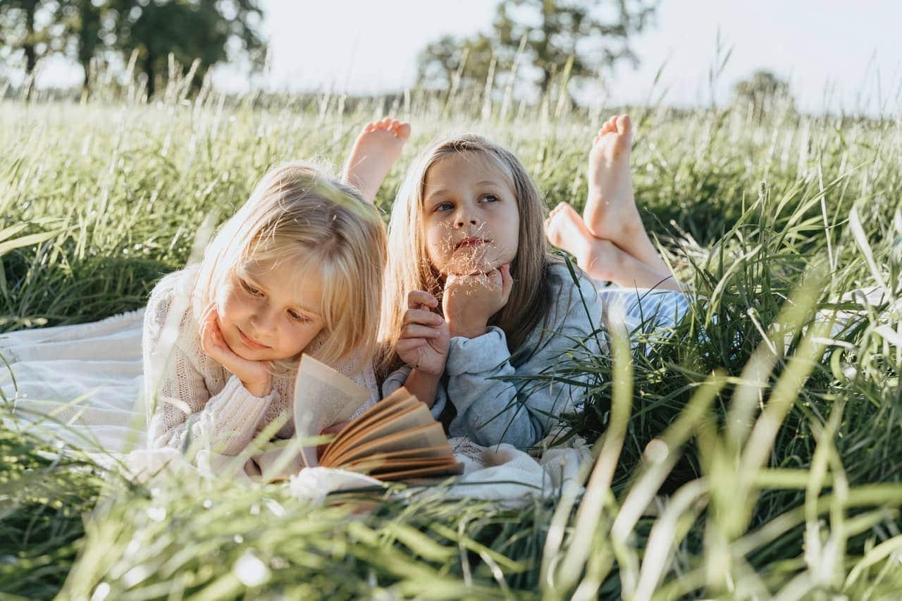 Kinder beschäftigen in den Ferien