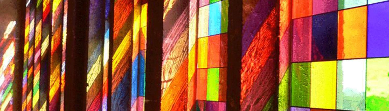 Köln, Dom, Triforium, Reflexionen des Südquerhausfensters © Entwurf: Gerhard Richter, Köln / Foto: DERIX GLASSTUDIOS Taunusstein