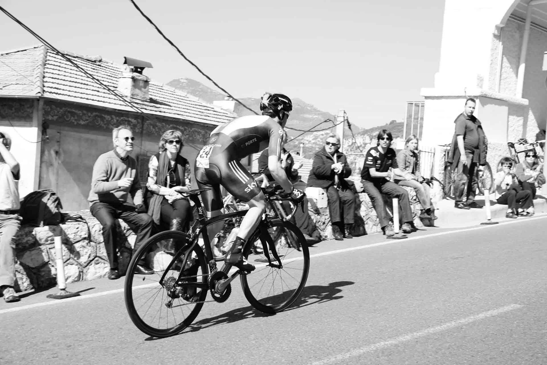Blog Tom de ongelukkige wielrennner - Photo by Simon Connellan