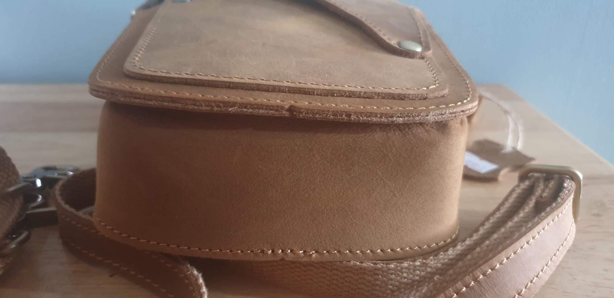 Túi đeo thắt lưng du lịch - Chất liệu da Ngựa