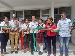 Photo of La Alcaldía inauguró tres salones en el Megacolegio de Llano Lindo