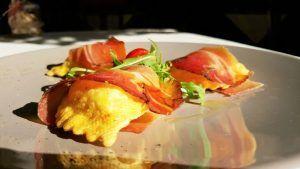 Restaurante italiano Cinquecento Valencia boñuelos de higos y queso de cabra