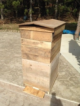 Standard Langstroth Hive Made With Wooden Pallets