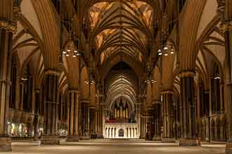 inside_lincoln_cathedral