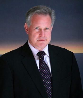 headshot of Robert Lustig