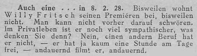 Zeitungsausschnitt: Er filmt und filmt!