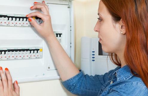 averias-electricidad-comunidades-hogares