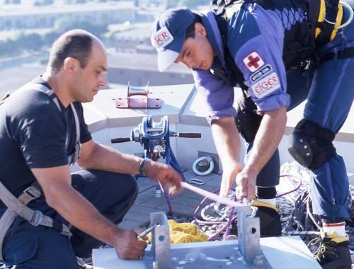 Човекът паяк тренира с полицай от Торонто