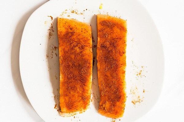 Tandoori seasoned salmon fillets