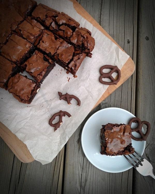Sliced Fudge Pretzel Brownies