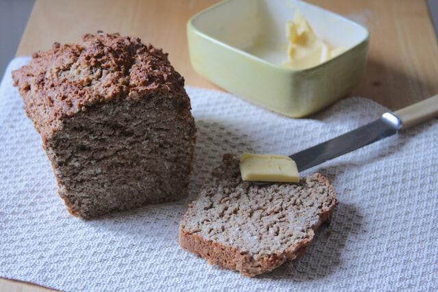 Spelt and oat bread low gluten recipe