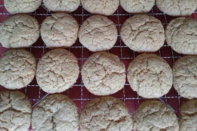 batch of crunchy coconut cookies recipe