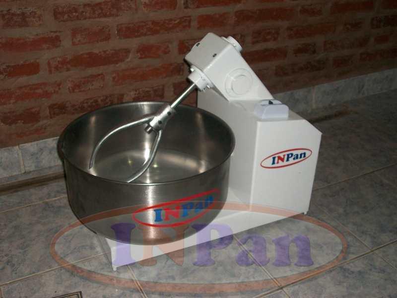 Amasadora mesa 10kg harina INPAN 1