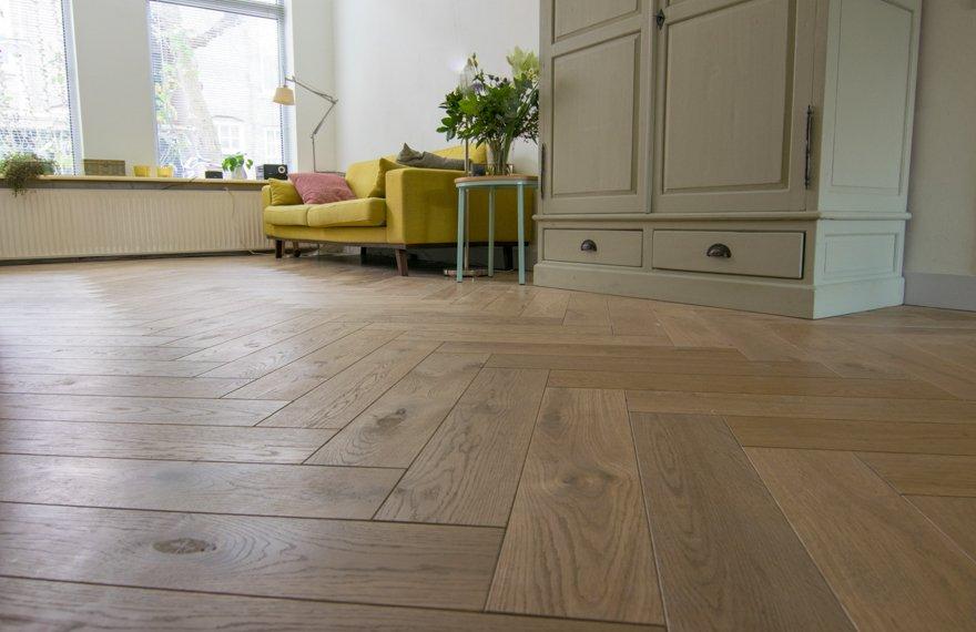 Visgraat vloer in bestaande woning