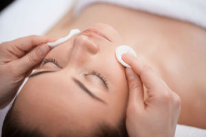 Best Antioxidant Facial Cleansers: Tough on Dirt, Gentle on Skin