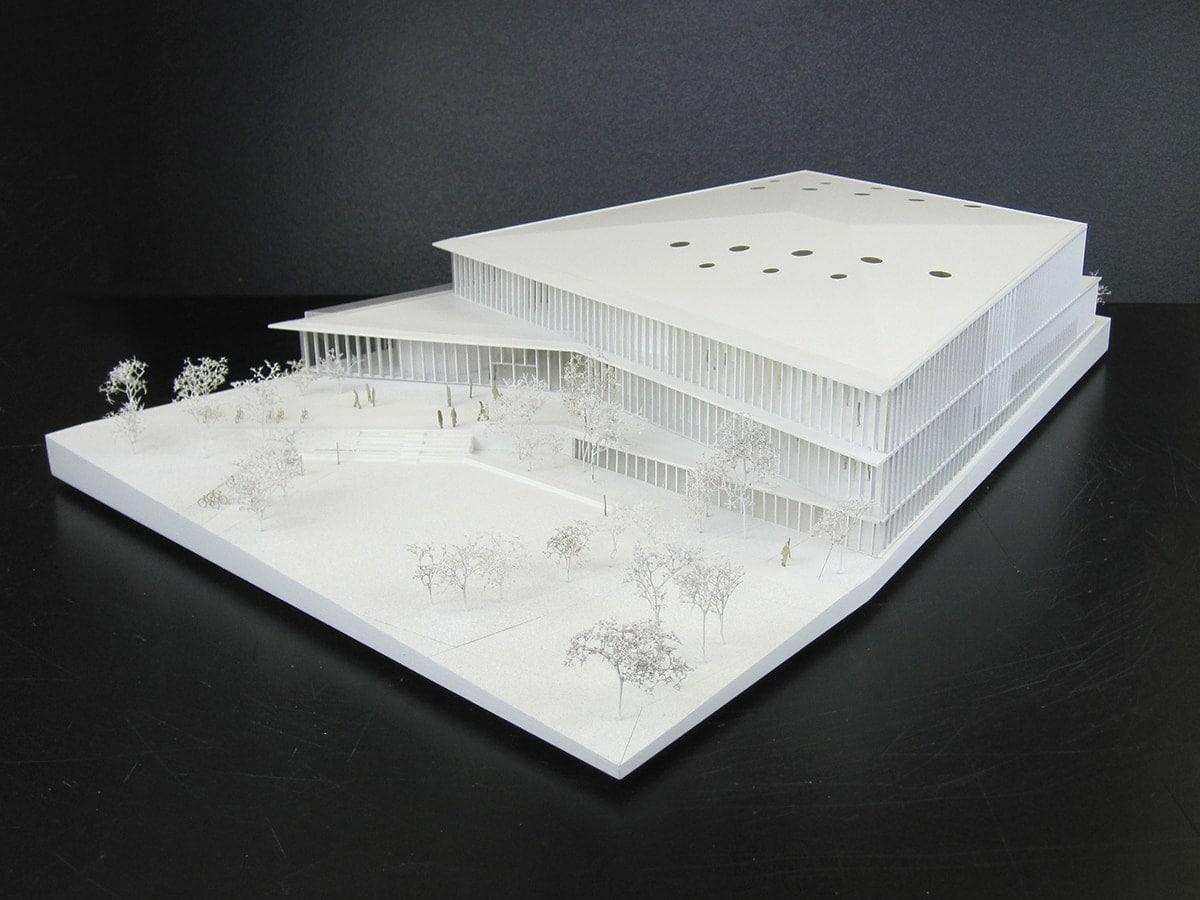 Maquette d'équipement sportif et culturel à Cesson Sévigné par explorations architecture