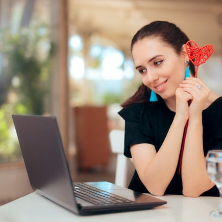 What Qualities Women Dating Online Look for in a Man