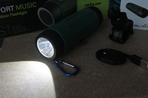 flashlight-powerbank-speaker-aux-microsd