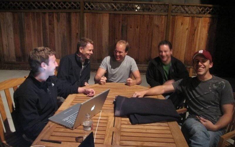 Facebook, Friendfeed'i satın aldı.