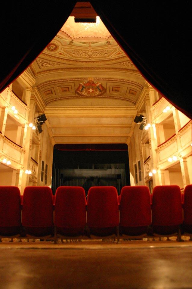 interno-teatro-anghiari-teatro-comunale-dei-ricomposti-02